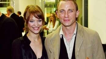 """Kaum zu glauben: Acht Jahre lang führte die gebürtige Düsseldorferin Heike Makatsch eine Beziehung mit Bond-Darsteller Daniel Craig. Die beiden lernten sich 1996 bei den Dreharbeiten zum Film """"Obsession"""" kennen."""