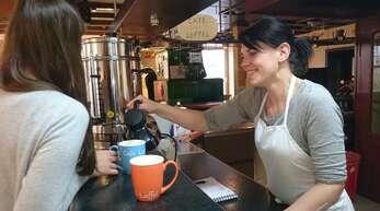 """Beim """"Café Löffel"""" in Lahr können Obdachlose frühstücken und umsonst waschen."""