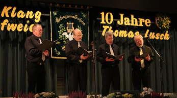 Das Quartett des Gesangvereins Hofweier bot in der Mehrzweckhalle besondere Sangeskunst. Dirigent Thomas Lusch (Zweiter von links) sang mit.