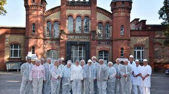 Der Offenburger Schlachthof, das Archivfoto zeigt eine Gruppe, die ihn im Vorjahr besichtigt hatte, wird 2019 schließen. Es laufen Bestrebungen, einen Neubau im Gewerbegebiet Hoch 3 anzusiedeln.