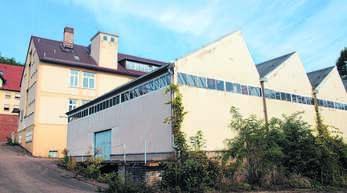 Die Halle hinter dem Hauptgebäude auf dem BW-Areal in Oberschopfheim kommt weg.