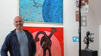 Der 1972 in Bühl geborene Marco Schuler in seiner Ausstellung beim Kunstverein Offenburg-Mittelbaden.