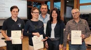 Blutspenderehrung in Sasbachwalden (von links): Stefan Wild, Melanie Huber, Hans-Peter Nesselbosch, Bürgermeisterin Sonja Schuchter und Herbert Schmelzle.