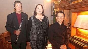 Bestritten die Allmannsweierer Abendmusik an Karfreitag (von links): Ulrich Steurer, Viola de Galgóczy und Initiator Martin Groß.