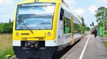 Ende 2022 sollen die dieselbetriebenen Ortenau-S-Bahnen, wie hier an der Oberacherner Haltestelle, im Depot bleiben. Sie werden durch klimafreundliche Züge ersetzt.