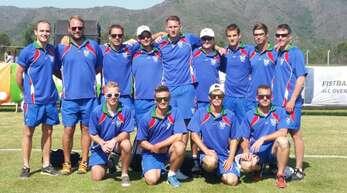 Der Offenburger Oliver Späth (hinten links) als Coach der Faustball-Nationalmannschaft Namibias bei der Weltmeisterschaft in Argentinien.