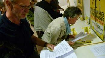 Die Info-Materialien der BI stießen auf reges Interesse.