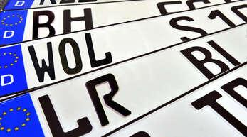 Ungewohnter Anblick: Voraussichtlich ab Ende Februar werden die ersten neuen Altkennzeichen mit »WOL« ausgegeben. 151 Originale sind aktuell noch zugelassen.