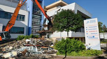 Die Bild-Montage zeigt, wie ein Abriss des Kehler Klinikums aussehen könnte.