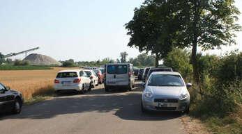 Parkchaos rund um den Korker Baggersee. Was dagegen unternommen werden sollte, war jetzt Thema im Kehler Gemeinderat.