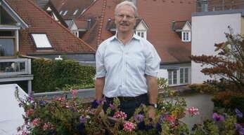 Hans-Reiner Rottenecker, Fraktionssprecher der Freien Wähler, feierte am 18. September 2015 seinen 75. Geburtstag.