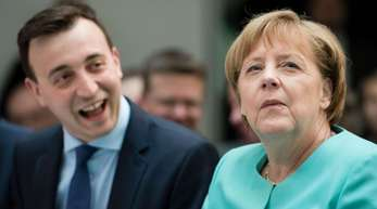 JU-Chef Paul Ziemiak und Bundeskanzlerin Angela Merkel Anfang Juni im Konrad-Adenauer-Haus in Berlin.
