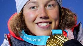 Biathletin Laura Dahlmeier hat im Einzel über 15 Kilometer die Chance auf das dritte Gold im dritten Rennen.