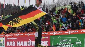 Fabian Rießle siegte erneut in Klingenthal.