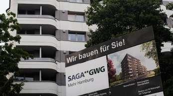 Die städtische Wohnungsgesellschaft Saga beitzt inHamburg rund 132.000 Wohnungen und erzielt jährliche Mieteinnahmen von rund 893 Millionen Euro.