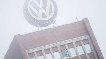 Verwaltungsgebäude von Volkswagen in Wolfsburg. Die Staatsanwaltschaft hat erneut Büros bei VW durchsucht.