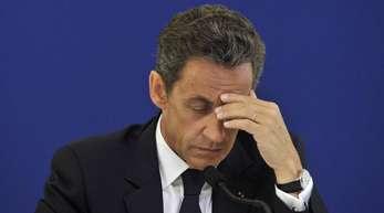 Gegen Sarkozy wurde ein Ermittlungsverfahren unter anderem wegen des Vorwurfs der unerlaubten Wahlkampffinanzierung eröfnet.