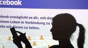 Das Mindestalter für die Nutzung von Facebook bleibt bei 13 Jahren.