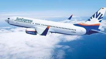 Eine Boeing 737-800 der deutschen Fluggesellschaft SunExpress Deutschland.