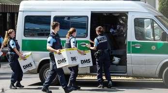 Im Diesel-Skandal durchsuchten am Mittwoch Staatsanwälte und Beamte der Landeskriminalämter Baden-Württemberg und Bayern Standorte des Autobauers.