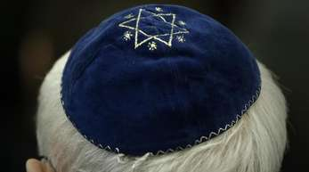 Traditionelle jüdische Kopfbedeckung: Der Präsident des Zentralrates der Juden in Deutschland, Josef Schuster, rät Juden davon ab, sich in Großstädten öffentlich mit einer Kippa zu zeigen.