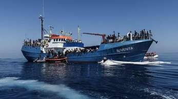Die «Iuventa» der deutschen Hilfsorganisation «Jugend Rettet» im Einsatz vor der Küste Libyens.