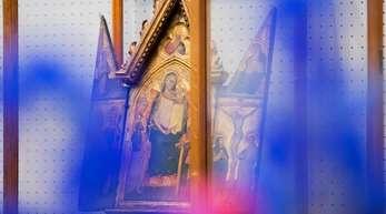 Der Klappaltar mit thronender Madonna (Meister des Tobias) aus dem Nachlass von Kardinal Meisner.