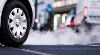 Die EU-Kommission hat angekündigt, Deutschland und fünf andere Länder wegen zu hoher Luftverschmutzung in Städten durch Diesel-Abgase vor dem Europäischen Gerichtshof zu verklagen.