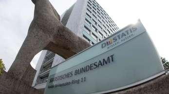 Blick auf den Hauptsitz des Statistischen Bundesamtes in Wiesbaden.
