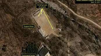 Das von «Airbus Defense & Space» und der Internetseite «38 North» am 12.04.2017 veröffentlichte Satellitenfoto zeigt das Atomwaffen-Testgelände in Punggye-ri im gebirgigen Nordosten von Nordkorea.