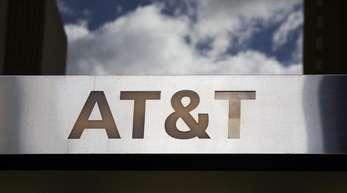 AT&T gehören nun etwa das traditionsreiche Filmstudio Warner Bros sowie das Nachrichten-Flaggschiff CNN und der Bezahlsender HBO («Game of Thrones»).