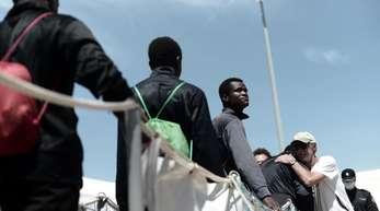 Das Rettungsschiff «Aquarius» und zwei weitere Schiffe konnte in die spanische Stadt Valencia einfahren.