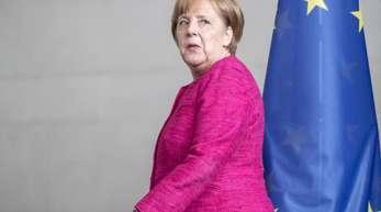 Kanzlerin Merkel setzt auf bilaterale Lösungen im Asylstreit. Am Montag hat sie Gelegenheit, darüber mit Italiens neuem Regierungschef Conte zu sprechen. Seehofer sieht Einigungschancen von CDU und CSU.