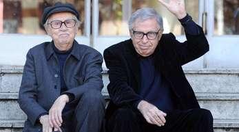 Die italienischen Regisseure Paolo (r) und Vittorio Taviani (2012).