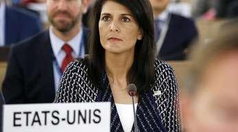 Nikki Haley, US-Botschafterin bei den Vereinten Nationen, sitzt vor ihrer Rede während der 35. Sitzung des UN-Menschenrechtsrats Anfang Juni.