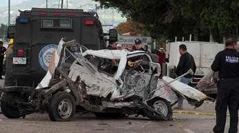Der LKW krachte gegen mehrere Autos, bevor er die Menschen erfasste.