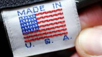 Für Verbraucher in Europa könnten die Zusatzzölle auf US-Produkte zu Preiserhöhungen führen. Neben amerikanischen Lebensmitteln, Kleidung und Motorrädern werden unter anderem auch amerikanische Stahlerzeugnisse, Schiffe und Boote betroffen sein. Fot