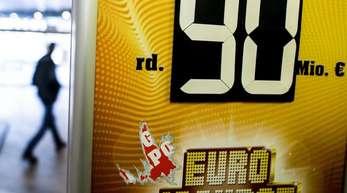 90 Millionen Euro für sieben richtige Kreuze:Wird der Jackpot endlich geknackt?