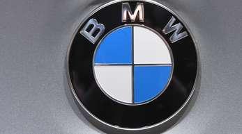 Die betroffenen BMW 5er und 7er stoßen sowohl auf der Straße wie auch auf dem Prüfstand zu viel Stickoxid aus, weil ihre Motoren mit einer Software für SUV-Modelle gesteuert werden.