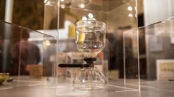Eine Kaffeemaschine in der Ausstellung «Die ganze Welt ein Bauhaus» in Buenos Aires.