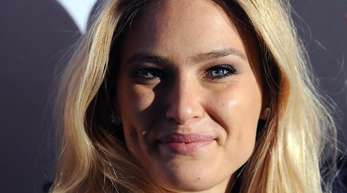 Topmodel Bar Refaeli 2015 auf der Berliner Fashion Week.