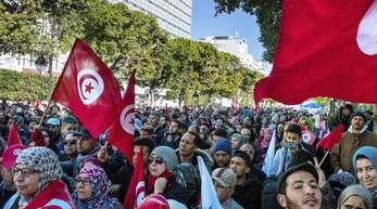 Das Bundeskabinett befasst sich unter anderem mit einem Gesetzentwurf zur Einstufung Georgiens, Algeriens, Marokkos und Tunesiens als sichere Herkunftsstaaten.