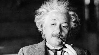 Albert Einstein verfasste 1905 in wenigen Monaten drei Arbeiten, die die Physik revolutionierten.