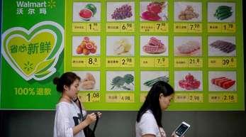Werbetafel des US-Einzelhandelskonzerns Walmart in Peking.