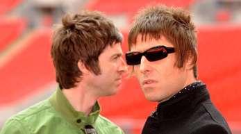 Werden die Brüder Noel (l)und Liam Gallagher tatsächlich das Kriegsbeil begraben?