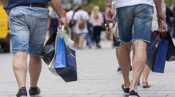 Shopping in München: Die historisch gute Lage auf dem Arbeitsmarkt und Lohnzuwächse sorgen für Kauflaune.