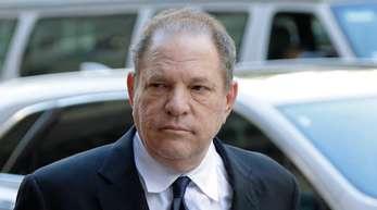 Harvey Weinstein, ehemaliger US-Filmproduzent, vor einem Gerichtsgebäude in New York.