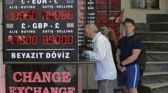 Die türkische Währung ist nicht mehr so viel wert wie Anfang des Jahres.