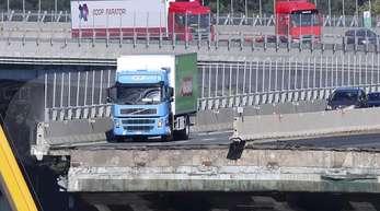 Der grün-blaue Lastwagen ist zum Symbol des verheerenden Einsturzes der Morandi-Brücke in Genua geworden.