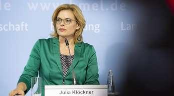 Agrarministerin Julia Klöckner will den amtlichen Erntebericht ins Kabinett bringen und bewerten, ob die Schäden «nationales Ausmaß» erreichen, wie die CDU-Politikerin in Berlin ankündigte.
